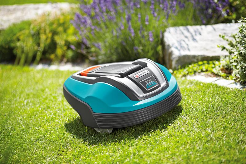 Der Gardena R70Li kommt im typischen Gardena-Grün und überzeugt durch ein robustes wie puristisches Design.