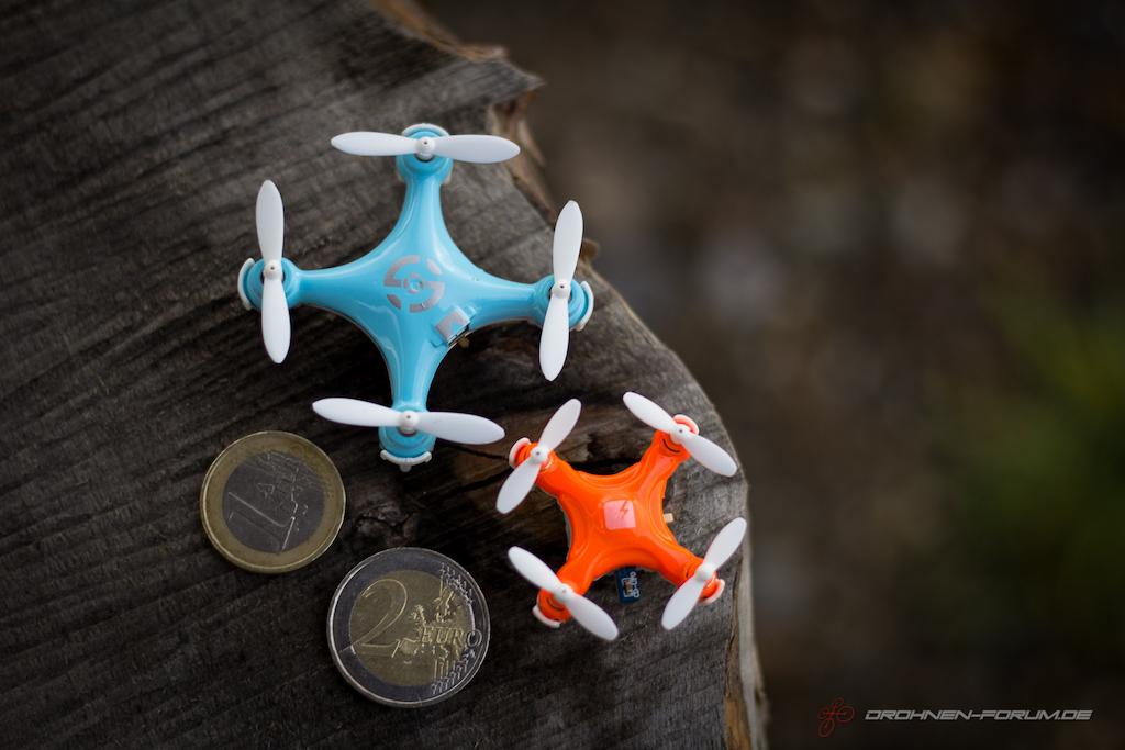 Skeye Pico Drone vs. Cheerson CX-10 im Größenvergleich.