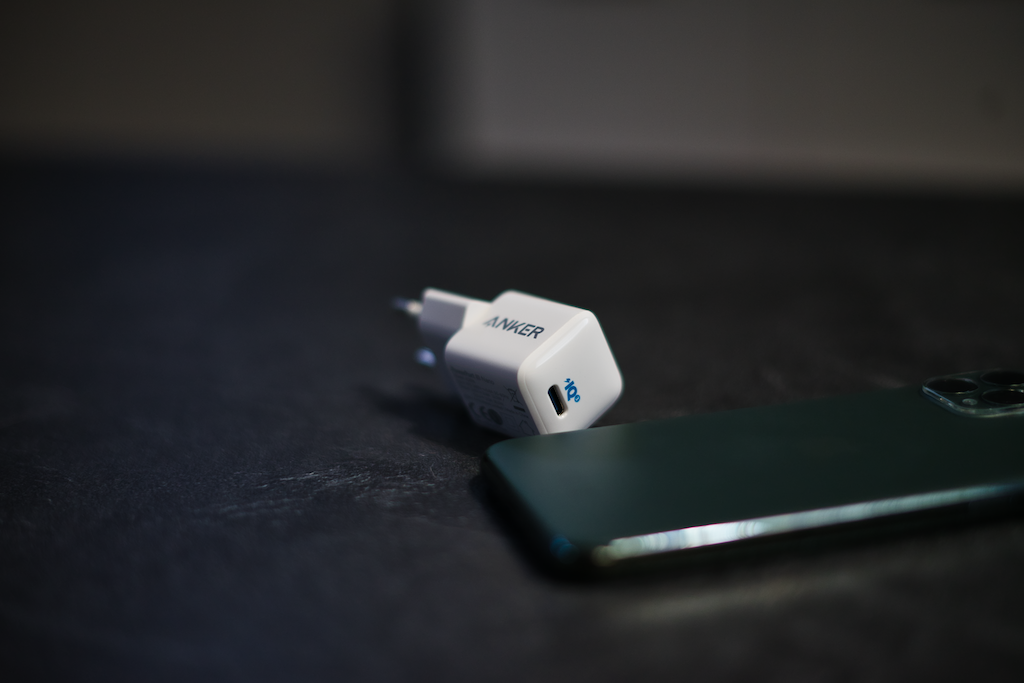 Anker PowerPort III Nano Größe und Gewicht